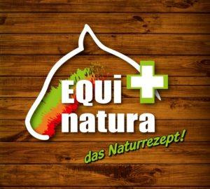 Holzhintergrund_Equinatura_Logo
